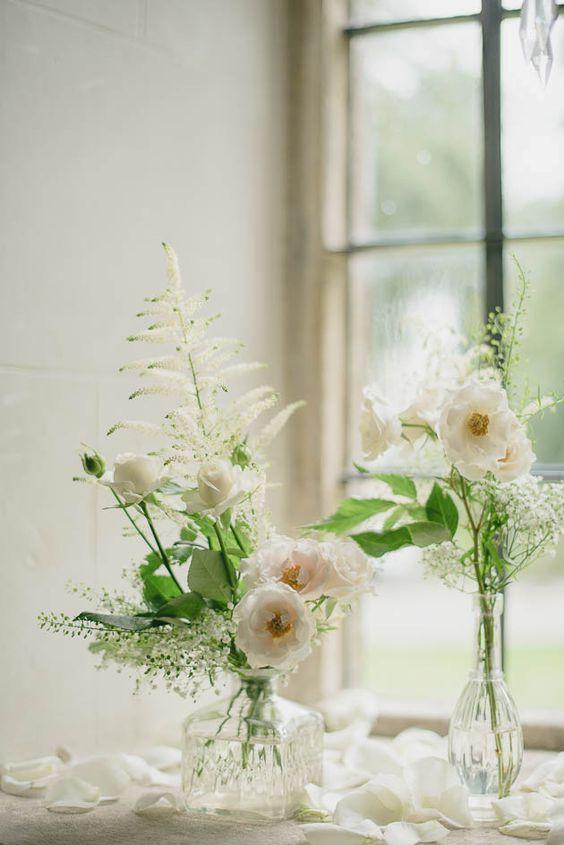 dreamy wedding centrepieces using bud vases