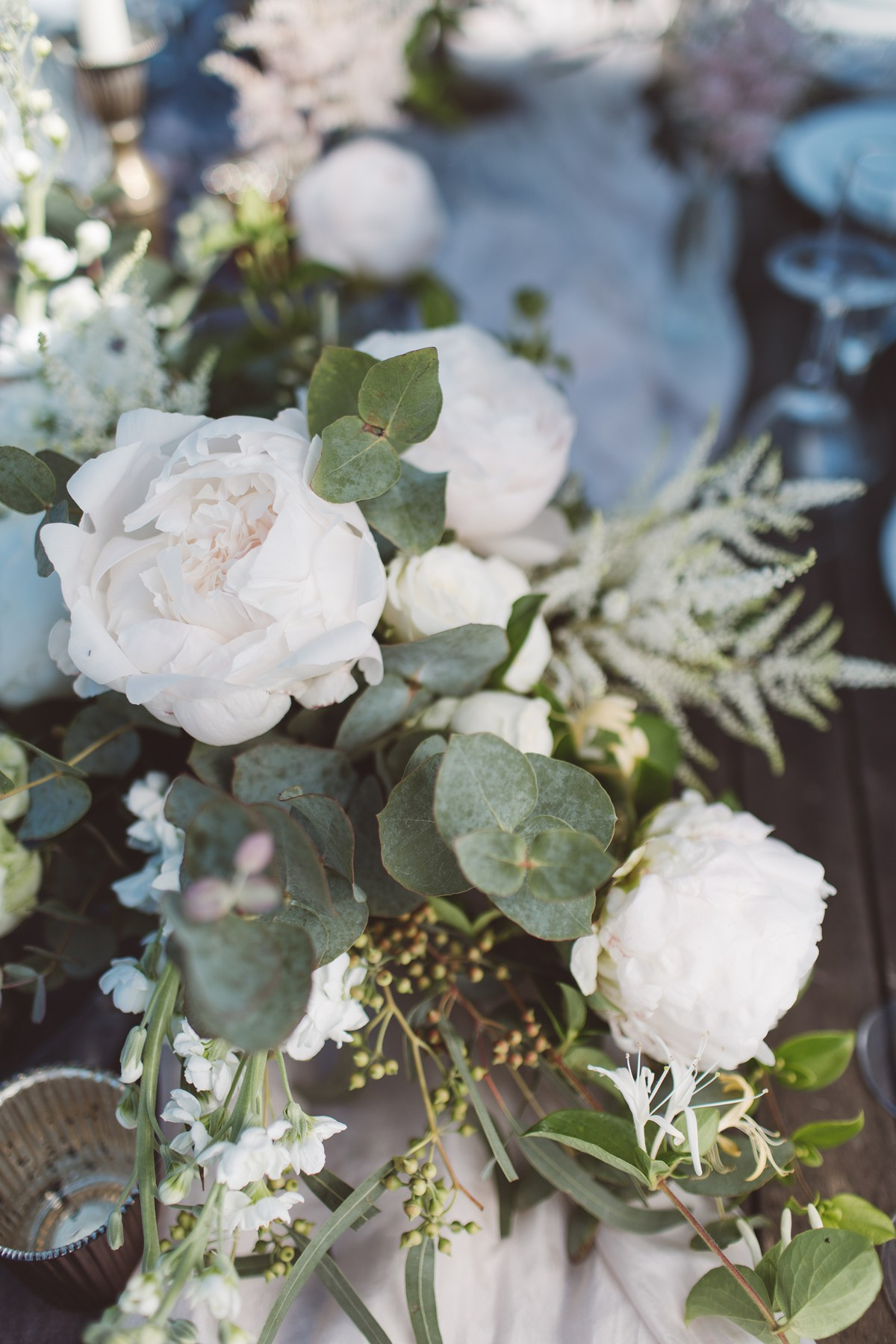 white green wedding flowers french wedding ideas