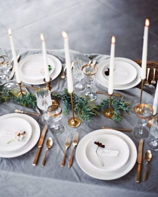 chirstmas table gold and grey