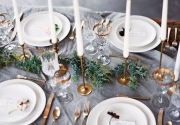 chirstmas table gold and grey