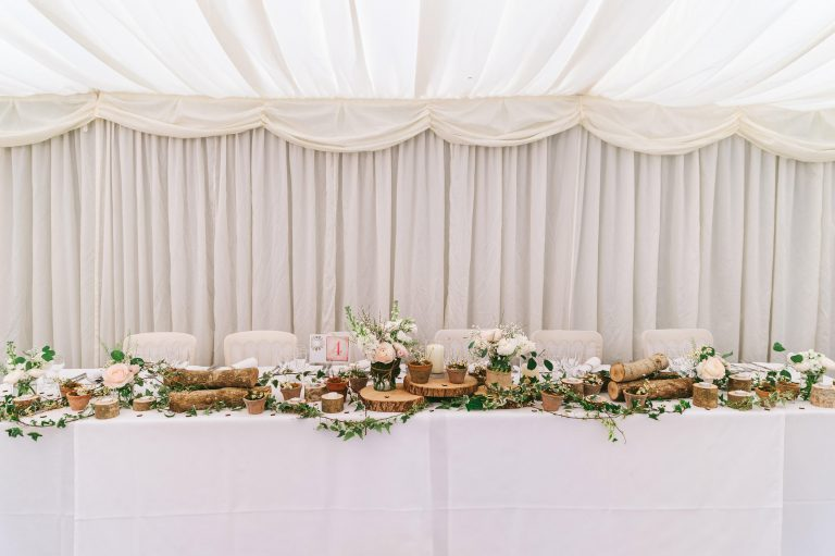 rustic-top-table-wedding-birtsmorton-court-768x511