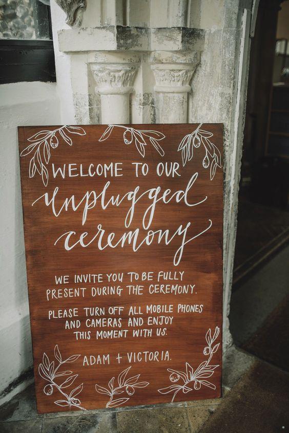 wedding signs unplugged wedding The Wedding of my Dreams (2)