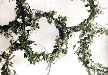 hanging hoops foliage greenery wedding ideas