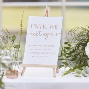 wedding memory table ideas gold