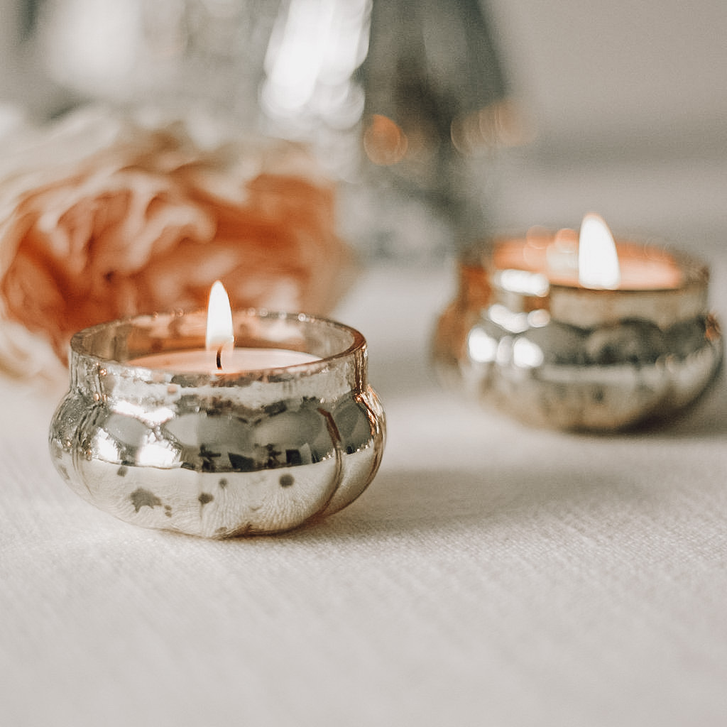wedding decor styling for tables gold colour scheme