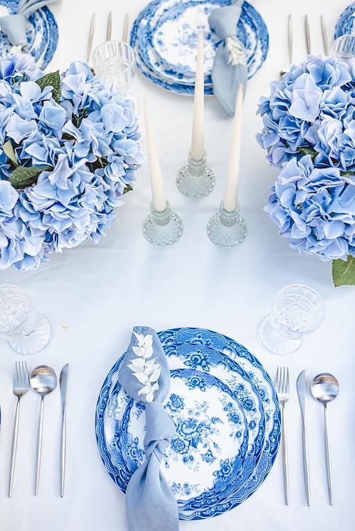 wedding place settings blue